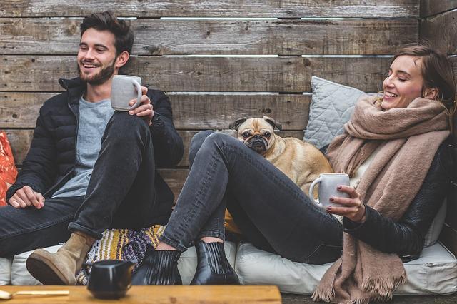 muž, žena a pes